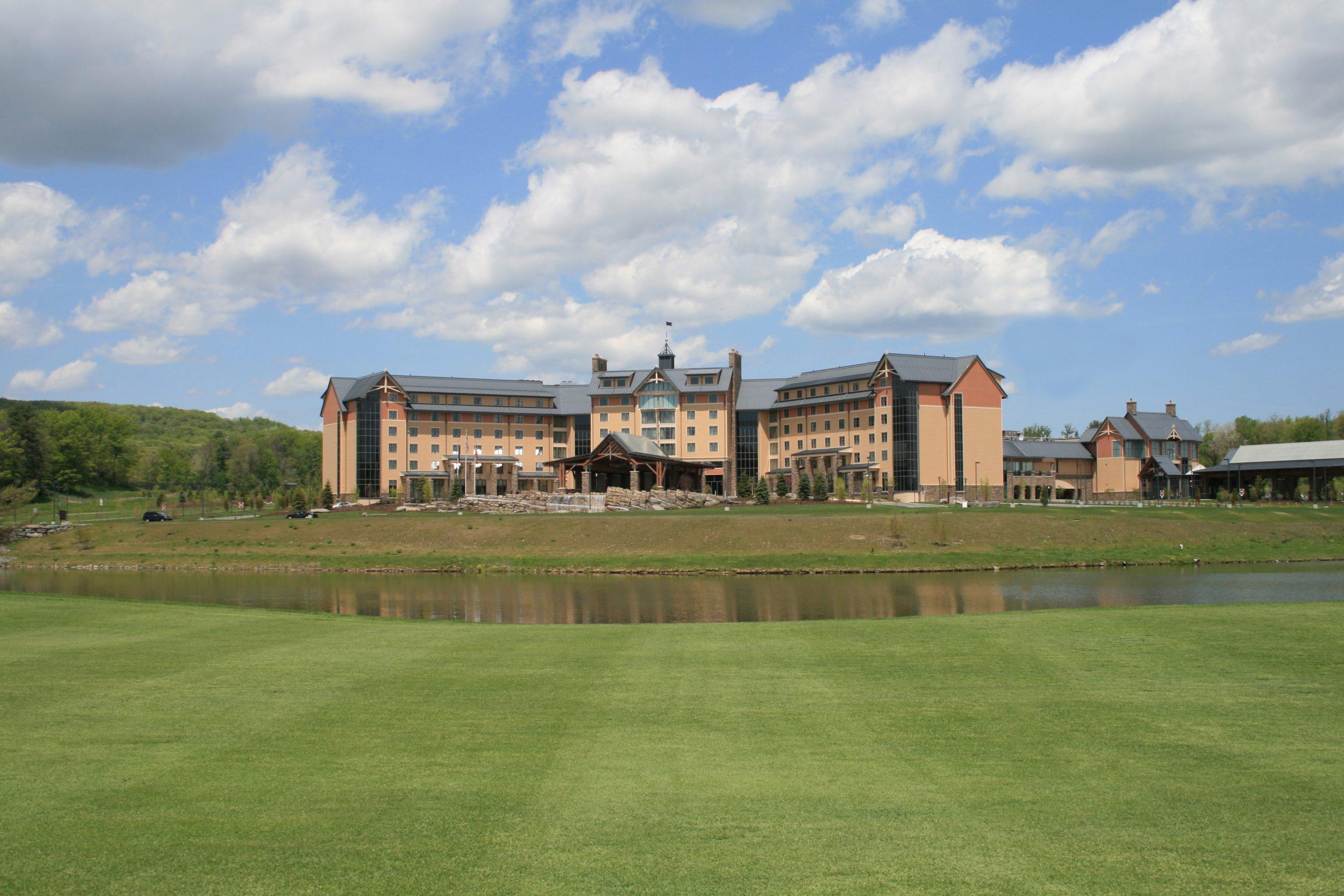 pocono resort exterior from golf course