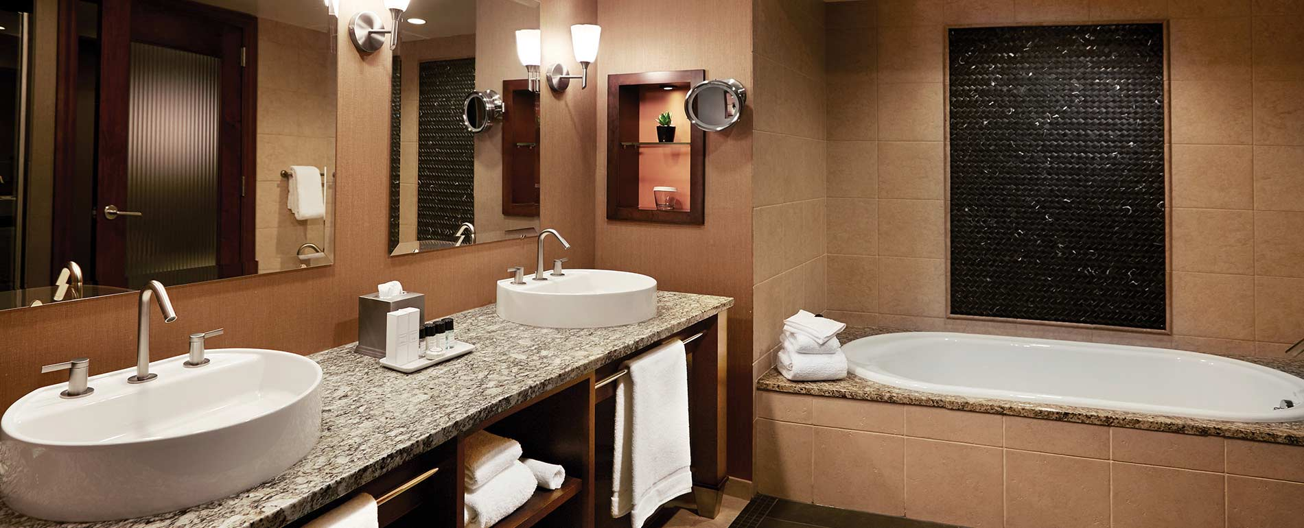 Poconos Resorts Pa Suite bathroom