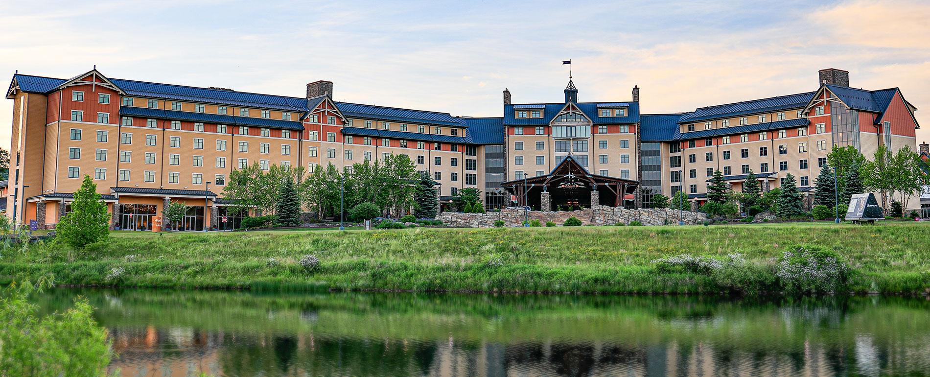 mt ponoco hotel casino spa exterior 2019