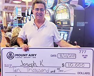 Black and White Slot Jackpot Winner