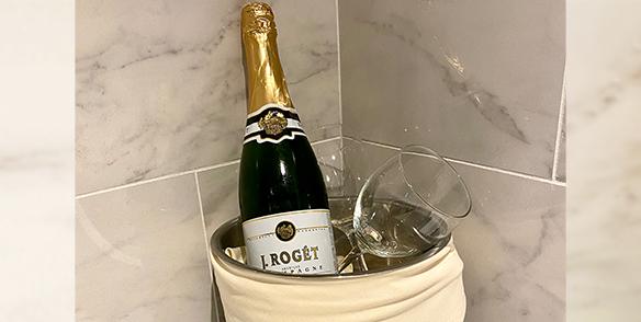 Pre-set Amenities | sparking wine - j. roget champagne