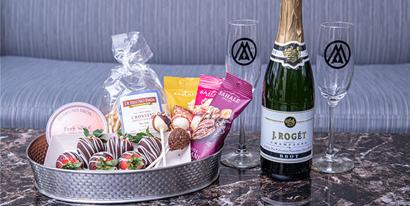 Sweetheart package- champagne and treats