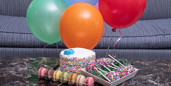 2021 Amenities | Celebration Package - cake, macarons, cakepops