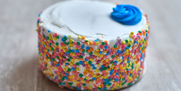 small 5 in cake with confetti sprinkles